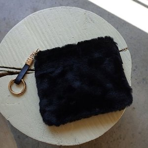 [Pouch] Fur Pouch Black /30%SALE/